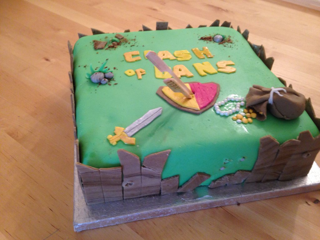 clash_of_clans_birthday_cake